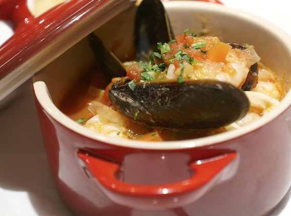 Recipe the lighthouse 39 s tuscan fish broth great food club for Fish stock recipe